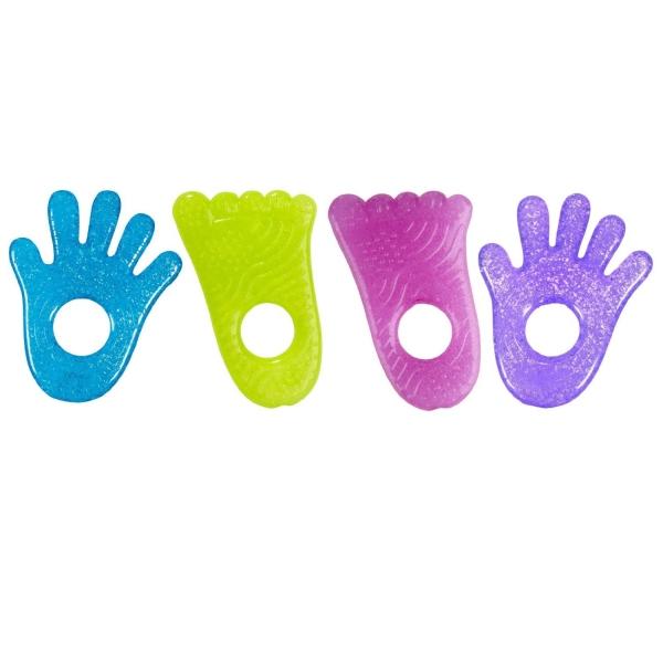 【产品名称】:Munchkin麦肯奇 可爱冰冻牙胶 小手掌小脚丫 两只装 颜色随机 【产品规格】:小手掌、小脚丫,各一只 本款牙胶颜色很多,每批到货都会略有不同,同一包装内的小手掌和小脚丫都是不同色的。不接受挑选颜色,随机发货。 【适合月龄】:0~24个月 【产地】:中国制造,美国销售 【质量安全】:不含PVC(聚氯乙烯)、不含铅、不含邻苯二甲酸、不含BPA(双酚A); 【产品颜色】:小手掌为蓝色,小脚丫为绿色 【产品特点】 内装无毒纯水冰胶,使用前放入冰箱冷藏(请勿放入冰箱冷冻室),冰凉的触感可缓解宝宝