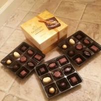 GODIVA 歌帝梵  金装27颗混合味礼盒装 巧克力